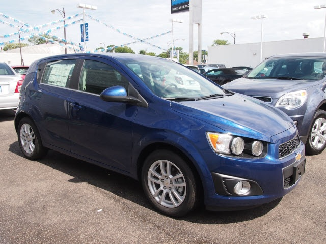 new 2014 chevrolet sonic lt 4d hatchback in chicago. Black Bedroom Furniture Sets. Home Design Ideas